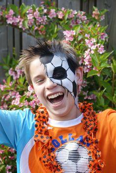World Cup face paint! #Snazaroo #Football