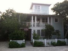 Seaside, Florida: Seaside Cottage Rentals and the Water Color Hotel