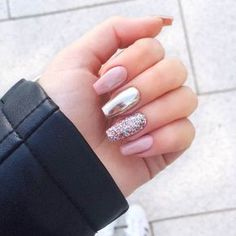 47 Best Ideas For Nails Sencillas Acrilico Free pattern and Tutorials : 47 Best Ideas For Nails Sencillas Acrilico Elegant Nail Designs, Elegant Nails, Stylish Nails, Cute Acrylic Nails, Acrylic Nail Designs, Glitter Nails, Silver Glitter, Office Nails, Mirror Nails