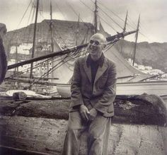 Henry Miller b. 26 December 1891 Henry Miller in Hydra 1939 Photo by Giorgos Seferis Henry Miller, Hieronymus Bosch, Writers And Poets, Book Writer, Grand Tour, Big Sur, Man In Love, First They Came, Island Life