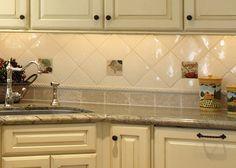 Küchenrückwand klassische weiße rechteckige Fliesen | Küche ...