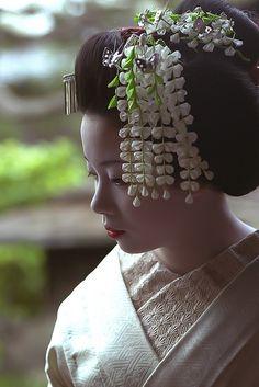 "geisha-licious:  "" ex-maiko Naohiro by WATASAN on Flickr  """