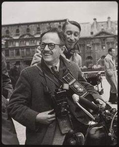 Robert Doisneau (1912-1994) Portrait de Willy Ronis et de Pierre Jahan à moto, Paris, années 1950
