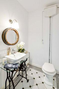Projekt domu prefabrykowanego w podwarszawskim Konstancinie Mirror, Furniture, Home Decor, Decoration Home, Room Decor, Mirrors, Home Furniture, Interior Design, Home Interiors
