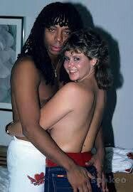 """twixnmix: """" Rick James X Linda Blair X 1982 In his posthumously published memoir, Glow, Rick says he spent time getting to """"know"""" the actress during a short stint living at the Chateau Marmont in. Rick James, John James, Linda Blair, Chateau Marmont, Queen Of Spades, Soul Singers, The Exorcist, Interracial Couples, Celebs"""