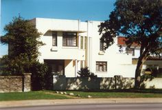 Art Deco House Architect: Siemerink and Brinkman Built: Location: Cape Road, Westview, Port Elizabeth. Photo taken 1986 Port Elizabeth South Africa, Art Deco Home, Home Again, Architect House, Cape, Nostalgia, To Go, Mansions, Architecture
