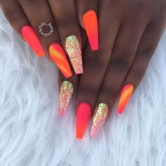 When I first saw these nails, I immediately thought of 🤤 Bright Summer Acrylic Nails, Best Acrylic Nails, Acrylic Nail Designs, Bright Orange Nails, Coral Acrylic Nails, Coral Nail Art, Coral Nails With Design, Bright Nail Designs, Nail Summer