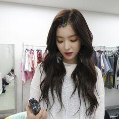 Imagem de red velvet, irene, and kpop Kpop Girl Groups, Korean Girl Groups, Kpop Girls, Seulgi, My Girl, Cool Girl, Rapper, Red Velvet Irene, Black Velvet