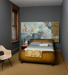 great use of art and color in a small space (10 Small Bedrooms Organized by (Big!) Style)