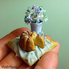miniature stilllife by Miniarthouse. Collectable dollhouse miniature.