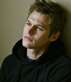 Zach Roerig portrays the character of Matt......