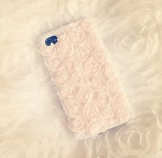 Phone case with roses