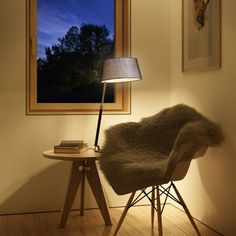 Table lamp with adjustable height in black and chrome, comes with a textile shade and E27 socket. Lighting Design, Chrome, Table Lamp, Flooring, Chair, Furniture, Black, Home Decor, Light Design