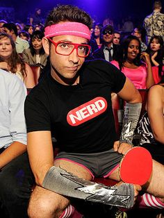 He's just dripping with CUTE NERD SWAG. | Community Post: 23 Pictures Of Zachary Levi, The Most Adorable Nerd On The Planet