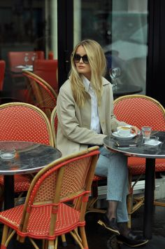 CAFE DE L'AVENUE | PARIS: PATINESS