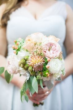 Peach Wildflower-Inspired Bridal Bouquet | ERIKA BROWN PHOTOGRAPHY | SUWANEE TOWNE FLORIST | http://knot.ly/6491B0SAB | http://knot.ly/6492B0SA8 | http://knot.ly/6493B0SAD