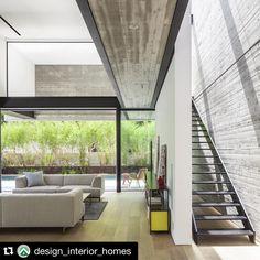 Check Out A Gorgeous, Brawny Concrete House In Tel Aviv