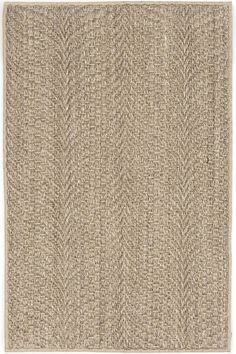 Catch the all-natural wave with this substantial and stylish woven sisal rug, made from a plant fiber and perfect for adding a rustic touch to high traffic areas.