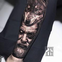Preto e Cinza na tatuagem: 31 artistas brasileiros para seguir - Blog Tattoo2me Blog, Character, Black And Grey Tattoos, Black Style, Solid Black Tattoo, Artists, Blogging, Lettering
