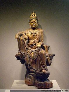 Gold-plated wood carving Guanyin, the United States Yale University Gallery