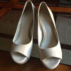 Also nude pumps Used but in great condition ALDO Shoes Heels
