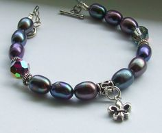 These pearls change color with what you have on! Love Blue Alligator Designs!