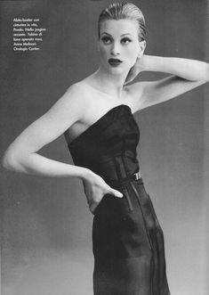 "Kristen McMenamy ""chic semplicità"", Vogue Italia, January 1995 Photographed by Steven Meisel Hair: Garren Makeup: Laura Mercier Rachel Green Friends, 90s Fashion Grunge, Retro Fashion, Original Supermodels, 90s Models, Steven Meisel, Model Look, Cover Model, Vogue Magazine"