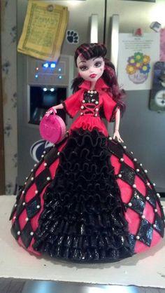 * Monster High Doll Cake