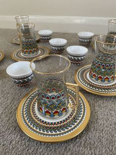 Exclusive Turkish Coffee/Tea Gift Set These lovely gift set are the perfect excuse to throw a tea and coffee party every day. With gold trims and different pop colours on the surface they are a little big glam and boho at the same time. Coffee Gift Sets, Tea Gift Sets, Coffee Cup Set, Tea Gifts, Coffee Gifts, Tea Set, Glass Tea Cups, Tea Glasses, Turkish Coffee
