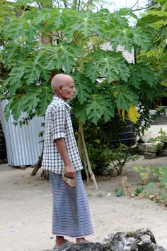 Elderly man with a handsaw  #handsaw #elderly #Maldives