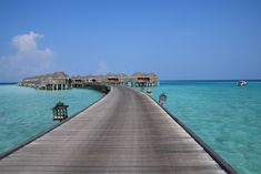 Deutscher Blogartikel über die Malediven <3 #maldives #malediven #luxury #constancehalaveli #steg #waterbungalow #paradise #sea Dream Come True, Travel, Pontoons, Paradise On Earth, The Maldives, Destinations, Traveling, Nice Asses, Viajes