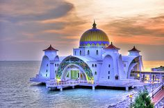 the most beautiful mosques in the world. The Malacca Straits Mosque in Malaysia Detail Architecture, Mosque Architecture, Amazing Architecture, Religious Architecture, Gothic Architecture, Ancient Architecture, World's Most Beautiful, Beautiful World, Beautiful Places