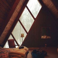 Attic Room envy....