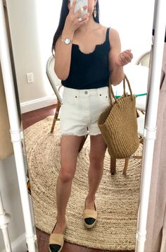 Abercrombie High Rise Mom Shorts, size 26