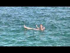 Drijven in de Dode Zee - Israël #dodezee #israel