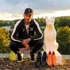 Football Shoes, Sport Football, Football Brazil, Neymar Jr, Psg, Riding Helmets, Sports, Pictures, Chris Brown