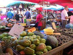 Le marché forain de St Paul ;le plein de couleurs, de saveurs et d'odeurs : que du bonheur <3 https://www.facebook.com/974MonAmour?ref=hl
