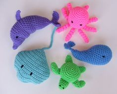 Crochet pattern for whale, octopus, stingray, turtle and dolphin Pattern can be found at: http://crochetvillage.com//