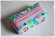 my little tissue holders ....  Süßes TaTüTa, dass in keiner Tasche fehlen sollte.  Toll, als kleines Mitbringsel.