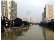 Vista del río, Shengdu, Sichuan - China  By John Dkar