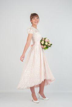 Brautkleid Lily mit viel Spitze