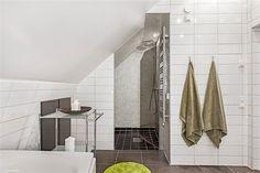 Mäster Henriksgatan 7E, 132 kvm, 3 795 000 kr, 6 rum (varav 3 sovrum), våning 2 och 3 (vind)
