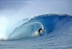 Cloudbreak, Fiji   p. Jeff Divine   1995