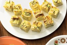 Brie and Potato Frittata Bites by Taste. These tasty potato frittata bites make entertaining a breeze. Finger Food Appetizers, Appetizer Recipes, Brie, Potato Frittata, Potato Bites, Savarin, Xmas Food, Christmas Cooking, Onion Recipes