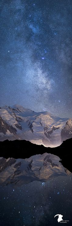 Vertical Milky Way - Stars reflecting in the lake and mountains lighted by the city of Chamonix - Mont Blanc - France Beautiful Sky, Beautiful Landscapes, Beautiful World, Beautiful Places, Beautiful Pictures, All Nature, Amazing Nature, Cosmos, Under The Stars