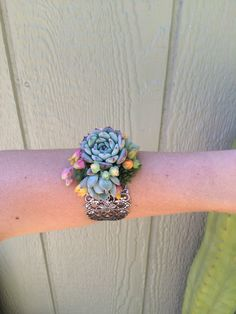 Who wants one?! #cuffcorsage #succulent