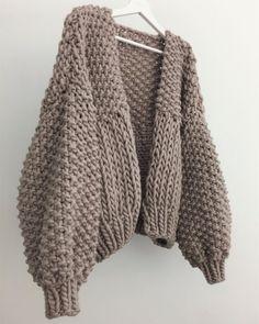 Knitting Blogs, Loom Knitting, Hand Knitting, Drops Design, Fashion Sewing, Knit Cardigan, Knitwear, Knit Crochet, Ideias Fashion