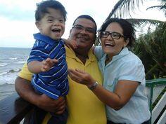 Mario y su familia  Nicaragua <3