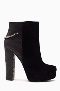 Vicious Chained Bootie. #ShoeCult by #NastyGal