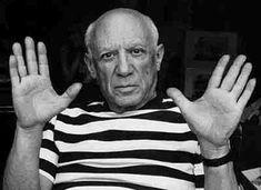 En su juventud,el pintor Pablo Picasso quemó algunos de sus dibujos sobre papel para calentarse en invierno.